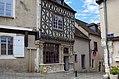 Châteaudun (Eure-et-Loir) (15145499070).jpg