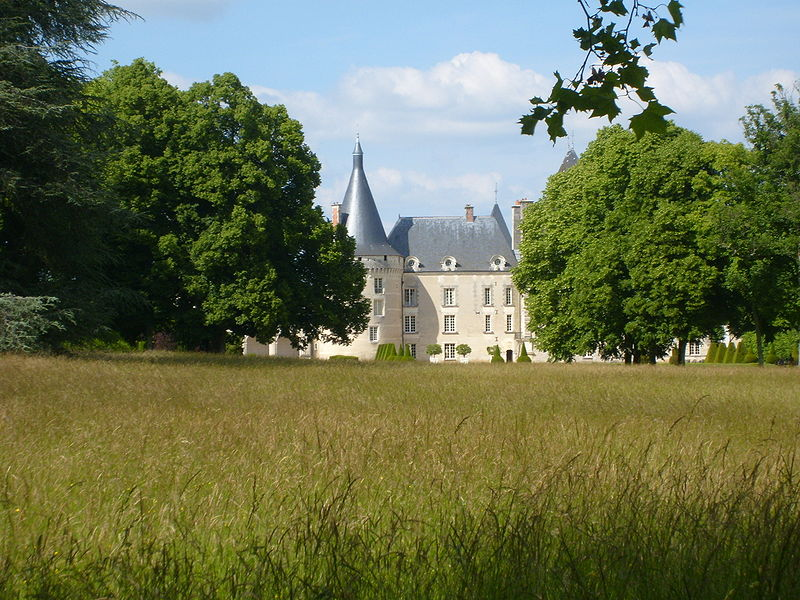 File:Chateau d'Azay-le-Ferron Seen from ParkFrench.JPG