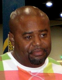 Chi McBride interprète Rod.