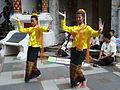 Chiang Mai-Wat-Baile en la pagoda- Tailandia 121.jpg