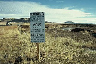Church Rock uranium mill spill - A sign placed by the New Mexico Environmental Improvement Division discouraging use of the Puerco River.