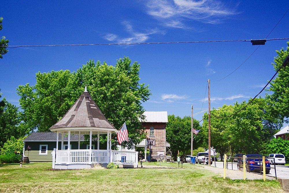 The population density of Clayton in Ohio is 274.22 people per square kilometer (710.16 / sq mi)