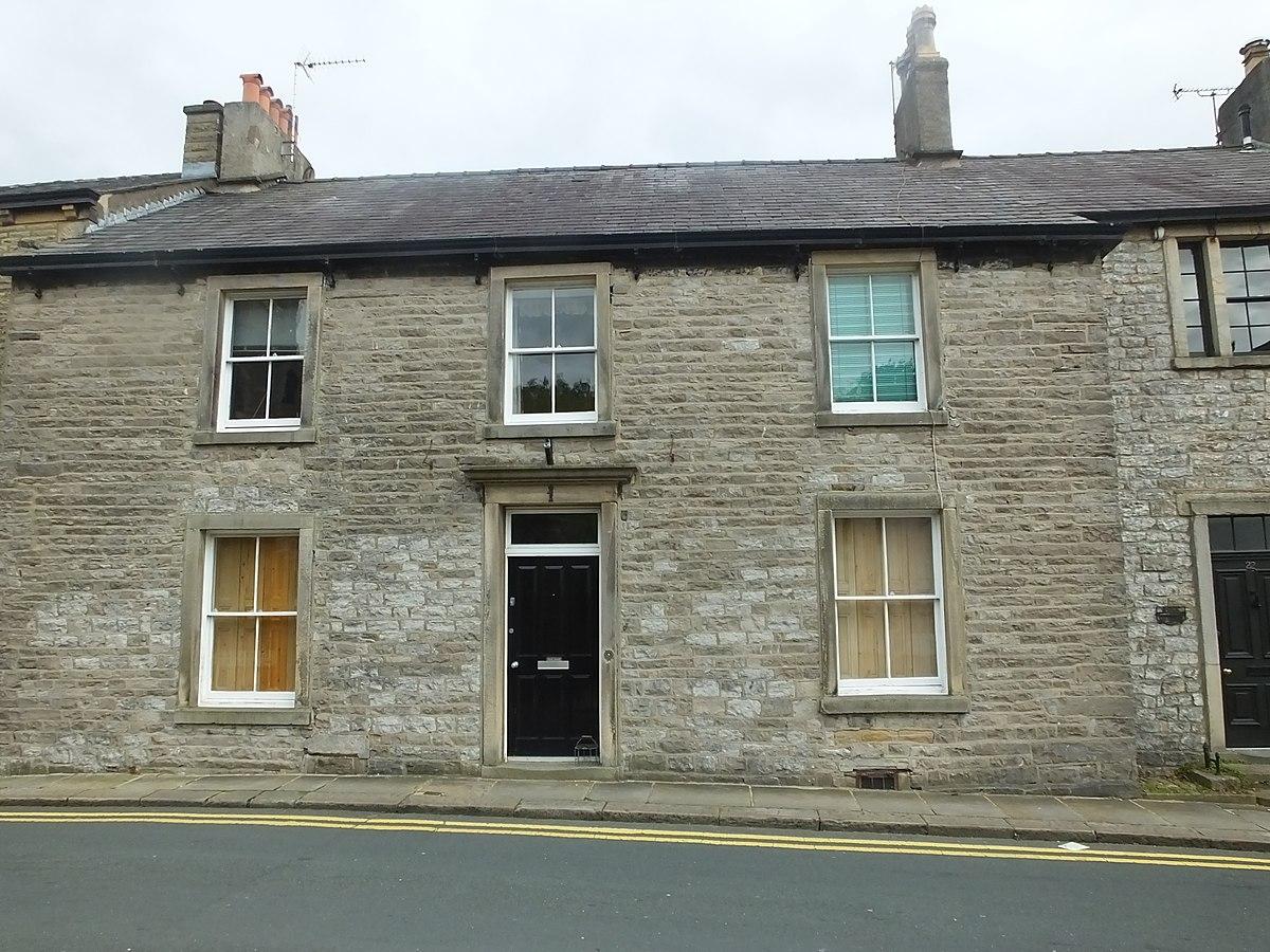 Clitheroe Church Street evens 8773.JPG