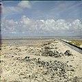 Collectie Nationaal Museum van Wereldculturen TM-20029686 Zoutpannen bij Rode Pan bij het Pekelmeer Bonaire Boy Lawson (Fotograaf).jpg
