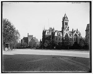 College Hall (University of Pennsylvania) - Image: College Hall and U of PA Library from the west
