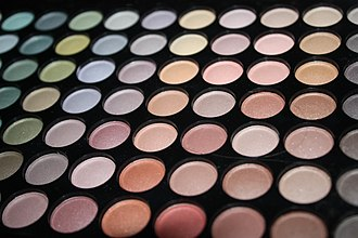 Eye shadow - A eye shadow case with a wide variety of colors.