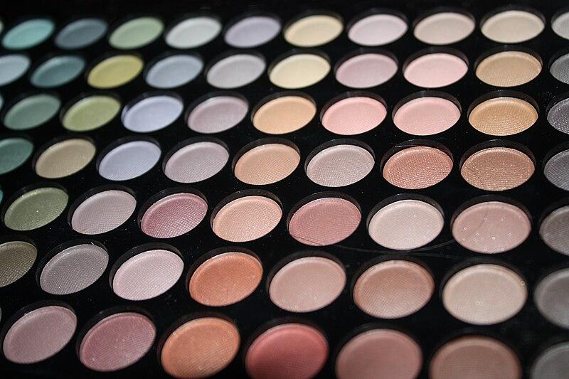 File:Colours - make up.jpg