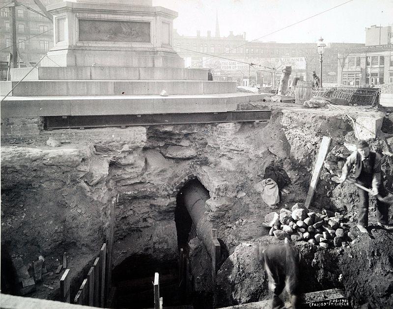 Columbus Circle Subway construction 1901.jpg