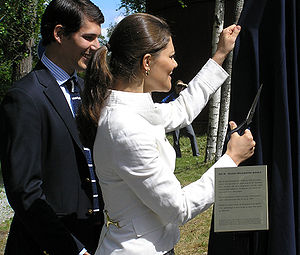 Victoria, Crown Princess of Sweden - Crown Princess Victoria at Skultuna Messingsbruk with the managing director Viktor Blomqvist