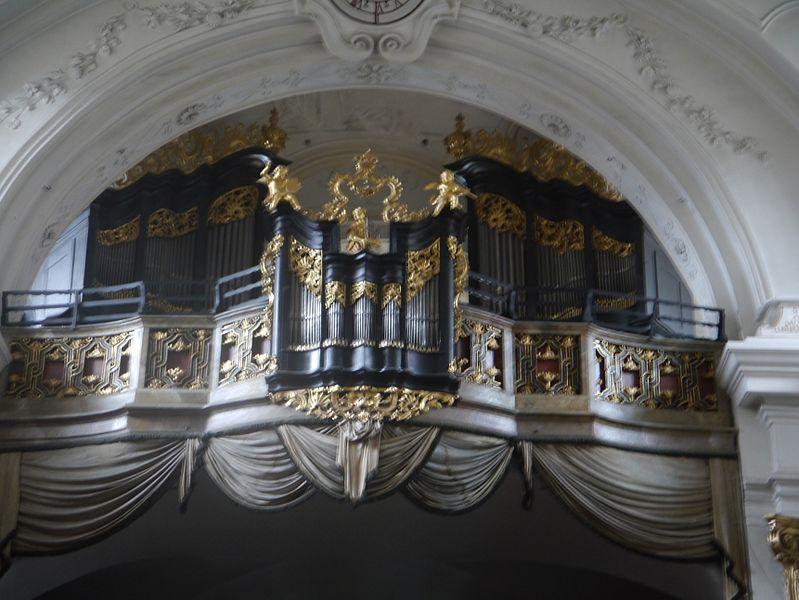 Datei:Dürnstein Stift Dürnstein Kirche Innen Orgel.JPG