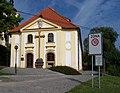 Dům Marie Terezie kněžny Savojské, průčelí.jpg