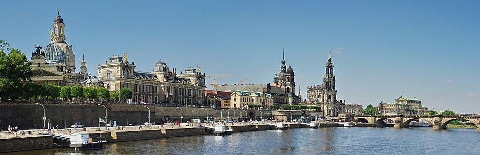 Dresden by day (Brühl's Terrace)