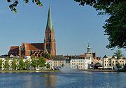 Der Schweriner Dom St. Marien und St. Johannis. Sommer