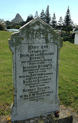 Dicky Barrett (trader) - Dicky Barrett's grave in Lower Bayly Rd, Ngamotu, New Plymouth.
