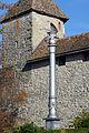 Die 'Polnische Freiheitssäule' in Rapperwil, im Hintergrund der 'Pulverturm' des Schlosses, Ansicht vom Lindenhof 2012-11-01 15-02-17.jpg