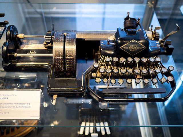 last century typewriter Nocoblick