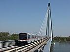 Zug der Linie U2 auf der Donaustadtbrücke
