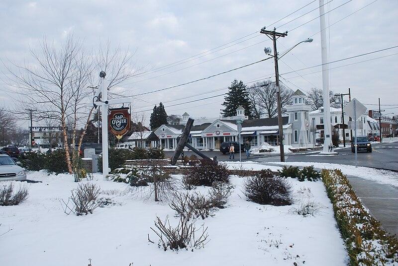 File:Downtown Mystic, CT in winter 4.JPG