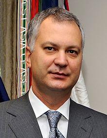 Dragan Šutanovac 091201-D-9880W-025.jpg