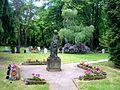 Dresden Markusfriedhof Figur Urnengemeinschaftsanlage.JPG
