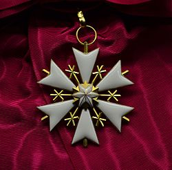 EST Order of the White Star 1st class badge.jpg