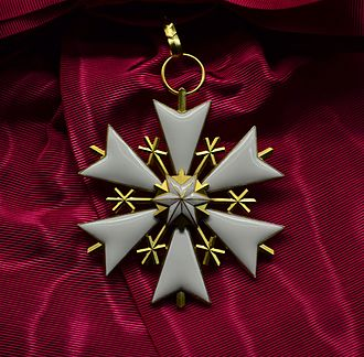 Orders, decorations, and medals of Estonia - Image: EST Order of the White Star 1st class badge