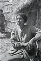 ETH-BIB-Abessinische Frau vor Hütte-Abessinienflug 1934-LBS MH02-22-1086.tif