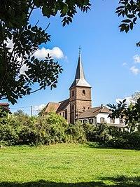 Eglise et village, vus de la combe.jpg
