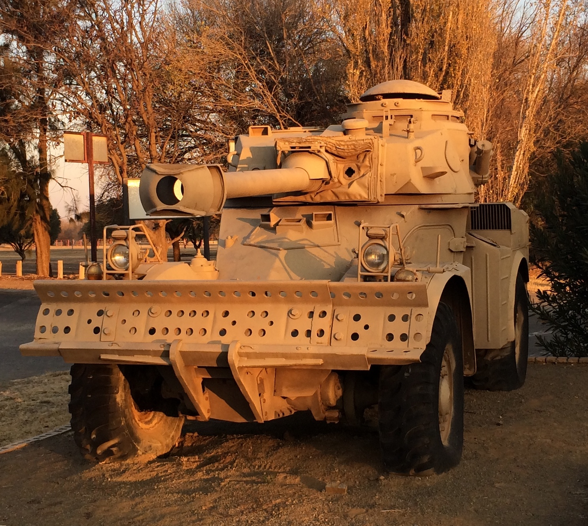 Armored car (military) - Wikipedia