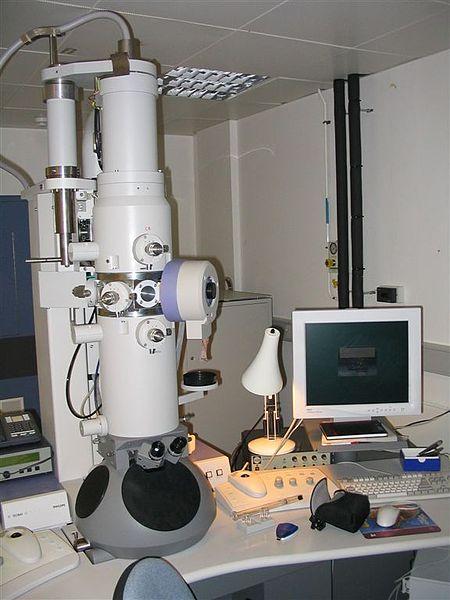 Ett elektronmikroskop är ett stort instrument i miljonkronorsklassen.