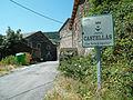 Entrada al poble castellas.jpg
