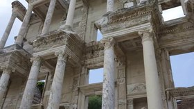 Plik:Ephesus Efes Library of Celsus Turkey 2015.webm