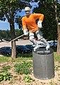Erkki Laine Statue.jpg