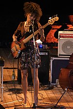 List Of Female Bass Guitarists Wikipedia