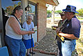 FEMA - 31835 - FEMA Community Relations workers talk to residents.jpg