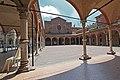 Facciata della basilica di Santa Maria dei Servi (sec. XIV) attraverso gli archi del quadriportico. - panoramio.jpg