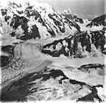 Fairweather Glacier, mountain glacier and icefall, circa 1965 (GLACIERS 5438).jpg