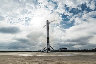 Falcon 9 first stage lands on LZ-1 (32153433074).jpg