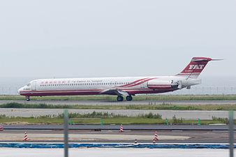 Far Eastern Air Transport, MD-83, B-28007 (18815882003).jpg