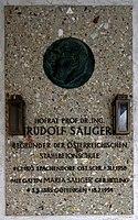 Feuerhalle Simmering - Arkadenhof (Abteilung ALI) - Rudolf Saliger 02.jpg