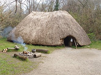 Prehistoric Ireland - Reconstruction of an early Irish farmer's hut – Irish National Heritage Park.