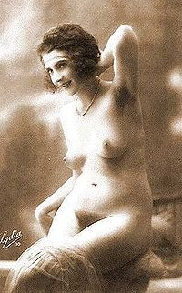 Flapper nude woman 1920.jpg