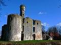 Folleville vestiges château 1.jpg