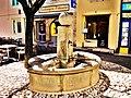 Fontaine sur une placette.jpg