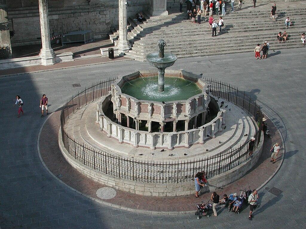 Fontana Maggiore, Perugia.jpg
