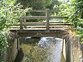 Footbridge - geograph.org.uk - 210514.jpg