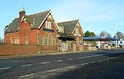Former Possil Station building (geograph 5300227).jpg