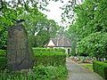 Friedhof-Kriegerdenkmal.jpg