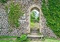 Gate near lower castle in Peyrusse-le-Roc.jpg