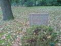Gedenkstein für polnische Opfer des Zweiten Weltkrieges auf der Kriegsgräberstätte Südfriedhof.JPG